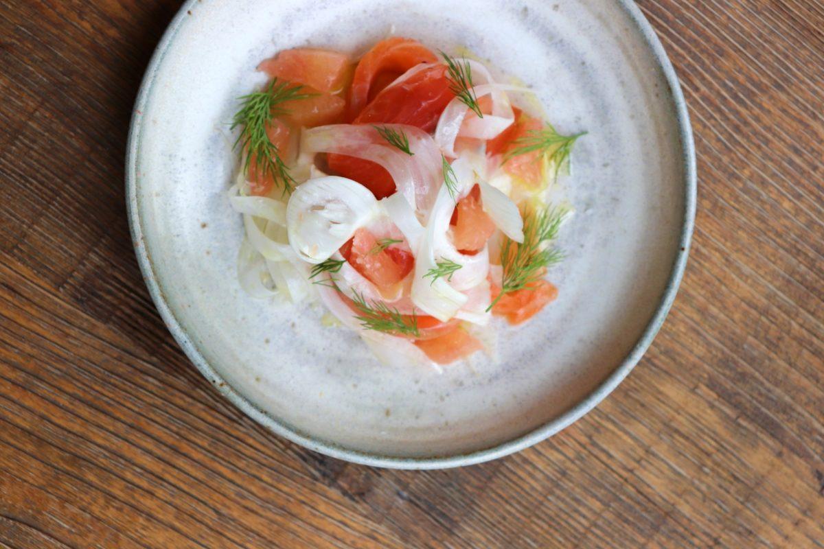 Saumon mariné, fenouil et pamplemousse - un des plats du jour au Citizen.